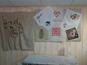 exposition des ouvrages de l'atelier de broderie de la Boutique Nanou