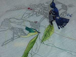 nappe en hardanger et peinture à l'aiguille brodé par Simone