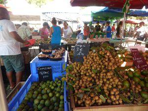 Lau, Ile de la Réunion, fleurs et fruits