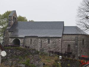 L'Église de l'Assomption, du XIIIème siècle, est une ancienne chapelle castrale romane.