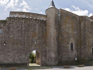 Le fort élevé vers 1440-1445 et appartenant à l'abbaye cistercienne de Nonenque.