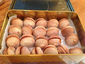 Macaron de St Jean de Luz au caramel salé