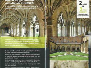 Plaquette de présentation du Cloître de Cadouin avec toutes les informations nécessaires. Horaires, tarifs, etc...