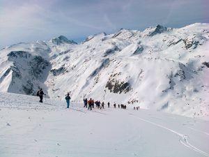 La marche nordique plante ses bâtons en Savoie, et c'est magnifique.