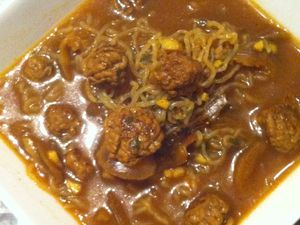 Bouillon thai aux boulettes de boeuf et konjac dukan