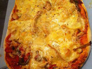 Pizza poulet,poivrons et fromage de Langres