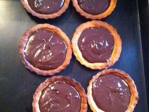 Tartelettes sablées, chocolat praliné et noix de pécan (thermomix ou non)