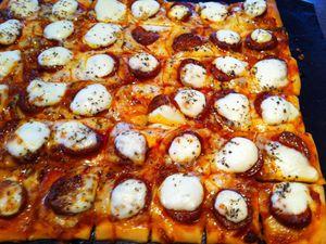Pizza apéritive mozzarella chorizo