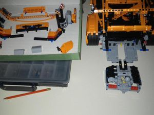 """Then I could see the """"fake"""" LEGO motor, a bit hard to remove ..."""