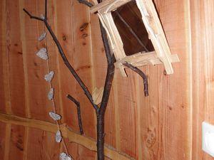 """Intérieur de la deuxième cabane chambre de """"Chant de la Nature""""."""