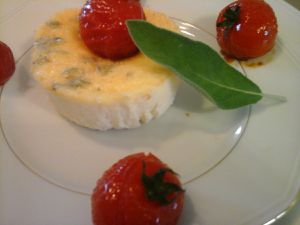 Flan au parmesan et à la sauge et sa farandole de tomates cerises