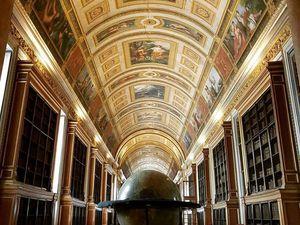 Chapelle des nobles vue d'en haut / Salle du trône / Bibliotèque / Porte de la Chapelle des domestiques