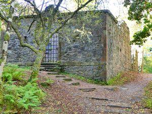 1. Dunstaffnage Castle, Reste. Ruines de la chapelle familiale du chateau de la famille MacDougall du clan Campbell. Tout un programme.