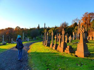 Nécropole (un poil plus rangé que les cimetières locaux, on a trouvé assez triste les croix cassées laissées en plan)