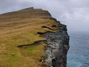 Sørvágsvatn : les paysages (je dis pas, c'est vraiment très beau mais la météo par contre...)