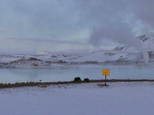 Mývatn Aller (le petit panneau c'est pour dire que se baigner = cuire, ne faites pas ça chez vous les enfants !)