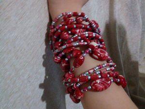 colliers et bracelets ethnique en porcelaine froide, a 5 fils (longueur 60 cm), tous les détails faits a la main