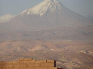 Quelques jolies vues sur le volcan Licancabur et Juriques en arrière plan !