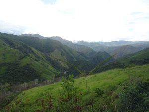 Sur la route de Zumba à La Balsa (frontière). Beaucoup de quartiers pauvres.
