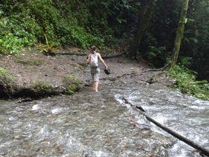 La fameuse cascade. On traverse avant de se rendre compte que le chemin ne continue pas bien loin...