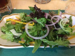 En entrée salade du chef ou soupe tomate sirop d'érable