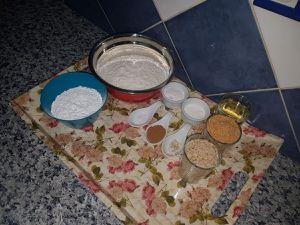 Ghribiya aux amande et graines de sésame de Oum Hamid    غريبة  بالوز و جلجلان لديد جدا و سهلة التحضير
