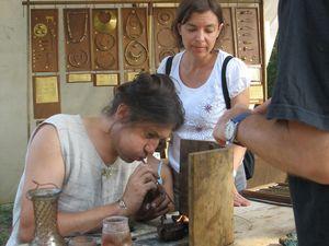 Bijouterie antique et parure de verre
