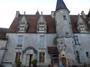 Châteauneuf en Auxois III