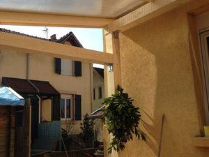 La terrasse couverte : le bricolage en famille !