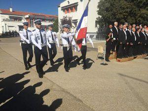Translation du drapeau AACRMI/ENP - La garde du drapeau de l'ENP