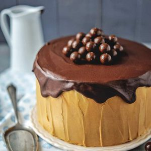 Layer cake chocolat caramel en 2 versions