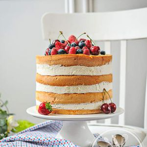 Naked cake aux fruits rouges