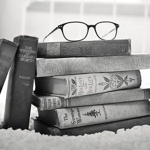 Lisons sous la pluie...