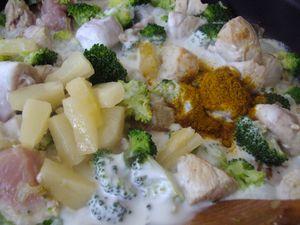 Curry de porc au lait de coco et brocoli