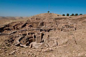 Zwei weitere Theorien sehen in Göbekli Tepe einen astronomischen Tempel