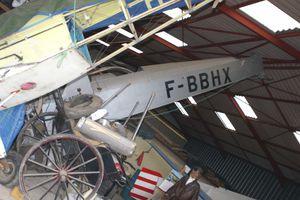 Les Caudron biplans survivants