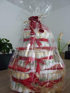 Gâteau de couches version rouge et blanc