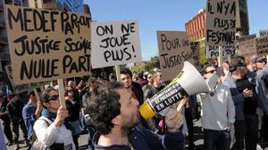 Intermittents : appel à AG(ir)
