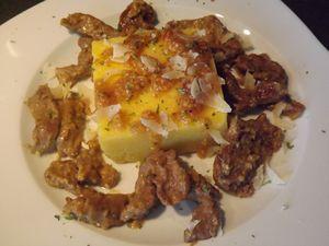 Fricassée de veau au pesto à la truffe noire et sa polenta