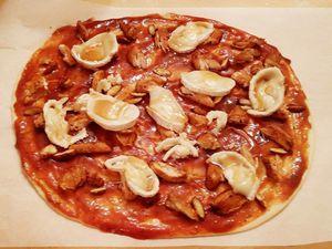 Pizza Barbecue poulet chèvre miel