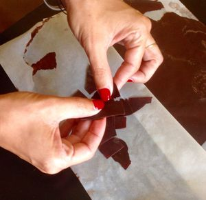 salade de fraises, sorbet à l'huile d'olive, olives confites et éclats de chocolat au cumin... le défi Tramier