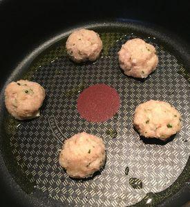 Boulettes de poulet à la menthe sauce au fromage blanc