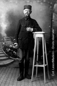 L'archiviste-paléographe André Lesort (1876-1960) le « père » des fonds d'archives médico-militaires (1917).