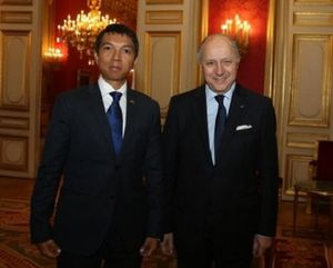 0993 - French minister tells Rajoelina to keep off 2013 poll