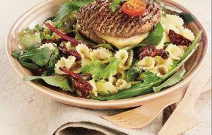 Burger &amp&#x3B; Salade mélangée
