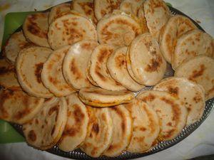Batbouts farcis à la viande hachée ou au poulet