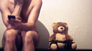 Grindr et Addiction: Il m'aime un peu, beaucoup, online, ou pas du tout..