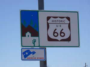 Sur la route 66 entre Holbrook et Winslow
