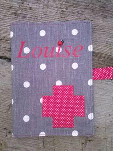 Protège carnet de santé pour une petite Louise