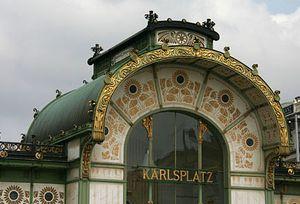 La corniche de  la Karlsplatz